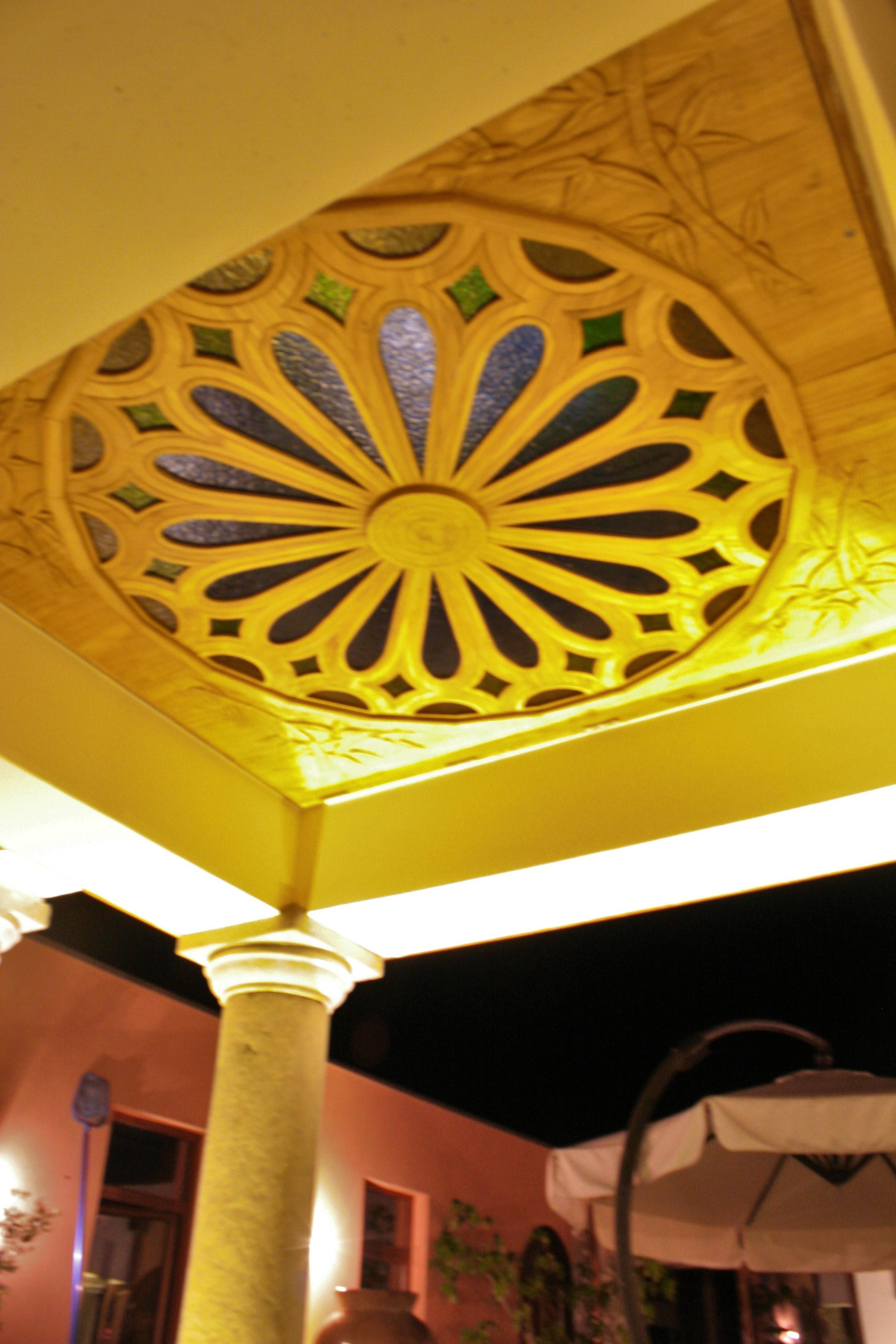 C: ciel du hall d'entrée